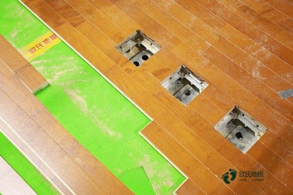 枫木体育地板安装