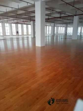 体育馆木地板怎么维修?22厚