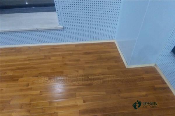 枫桦木运动篮球地板保养