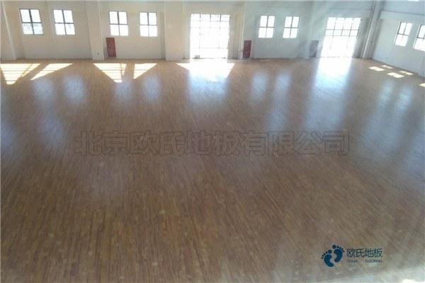 柞木体育场馆地板安装公司