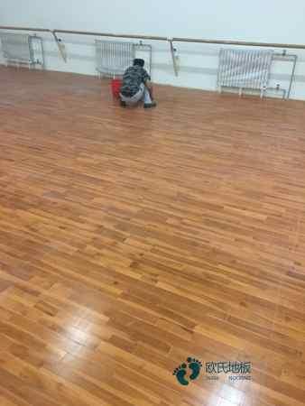 进口运动木地板维修