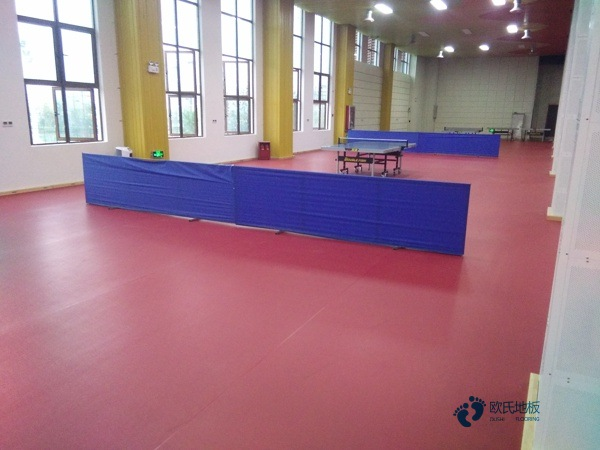 用什么体育篮球木地板厂家报价