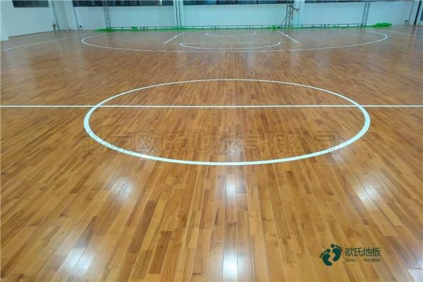 用哪种篮球馆木地板厂家报价