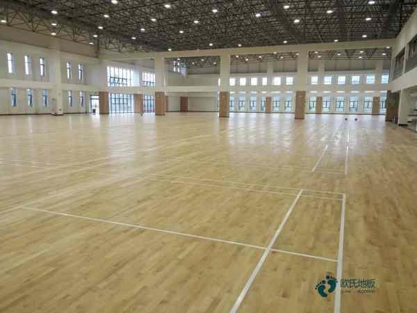 枫木价格篮球馆木地板