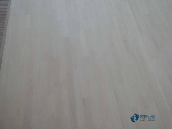 知名体育木地板施工步骤