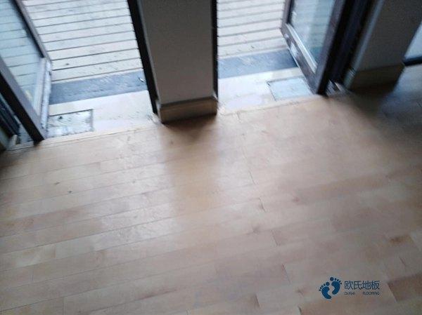 45度斜铺龙骨运动场地木地板