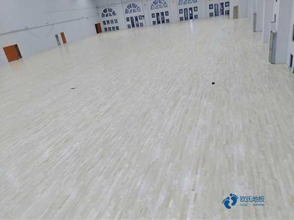 45度斜铺龙骨运动型木地板