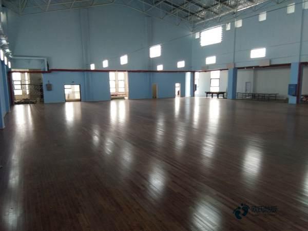 进口体育场木地板结构