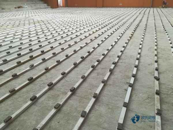 柞木体育运动地板多少钱一平米?