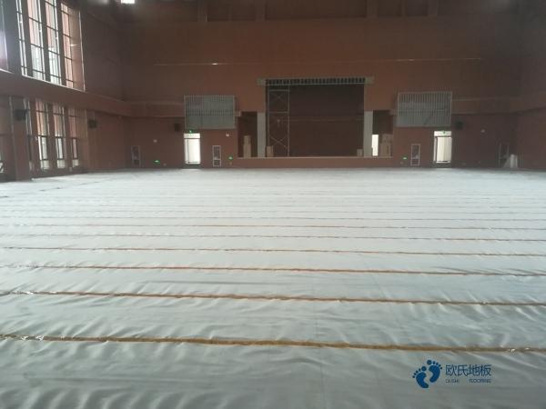 新疆专业体育场地板厚度