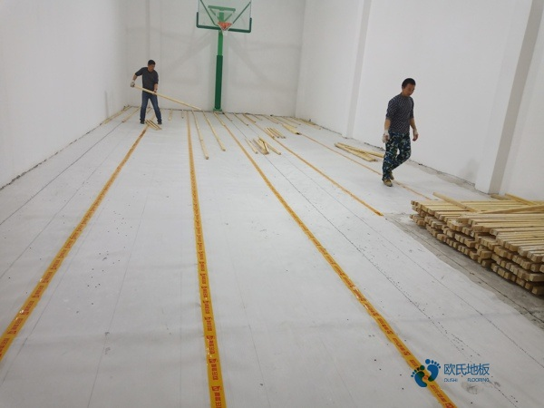 杭州硬木企口体育场地板怎么安装