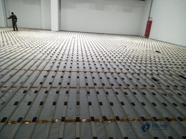 拼装篮球场地板怎么保养