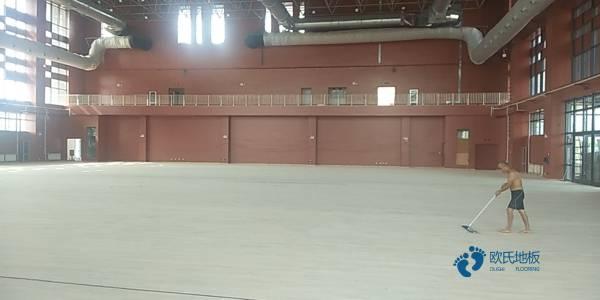 体育地板的排名
