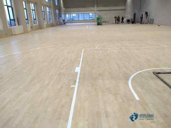 体育场地板哪个牌子更环保