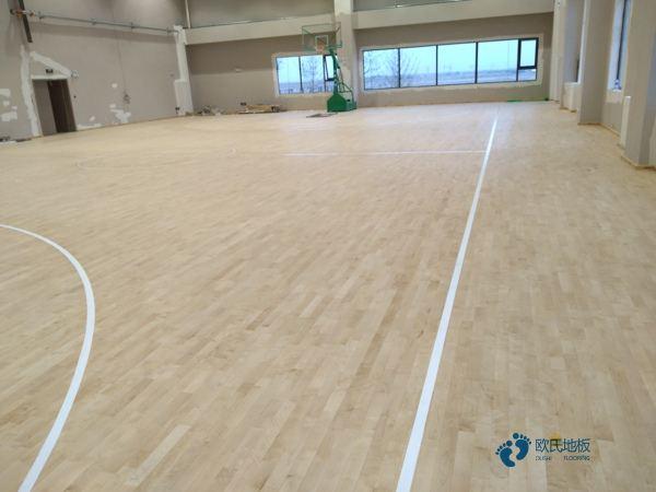 体育场地板哪个牌子比较好