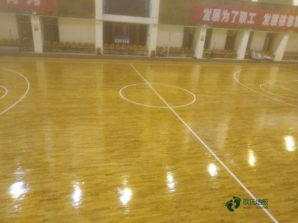 高端篮球体育地板厂家报价