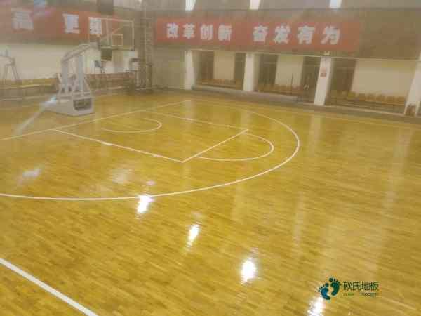 高端篮球体育木地板厂家报价