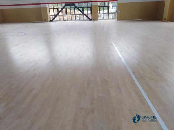 松木怎么维修?体育馆木地板
