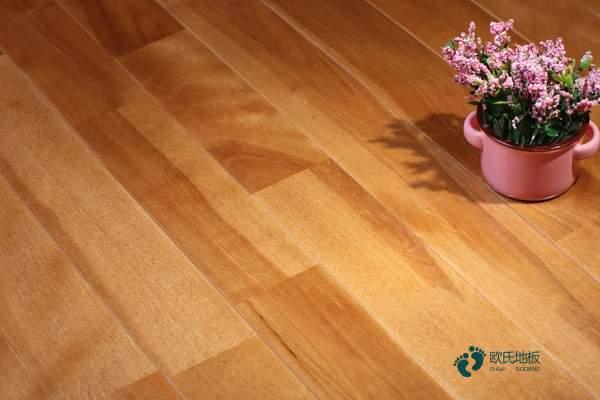 松木运动实木地板多少钱