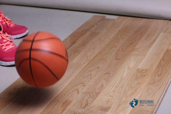 柞木运动木地板定做价格1
