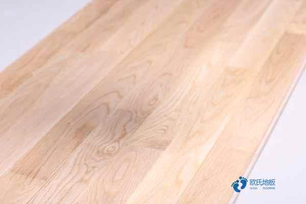 柞木运动木地板定做价格2