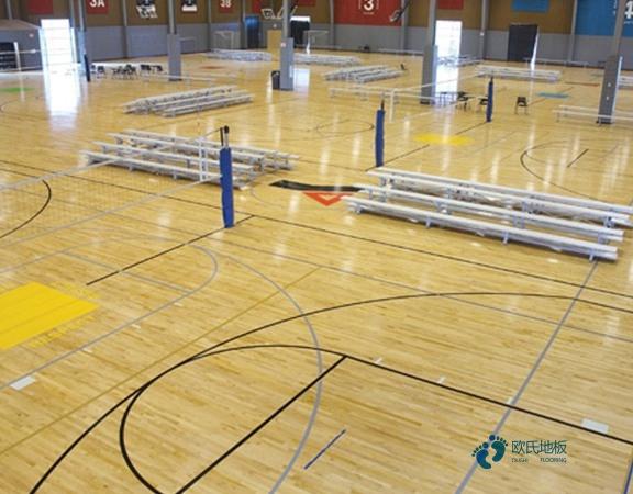 单龙骨体育场地地板如何保洁
