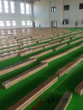 单龙骨体育场木地板保养知识