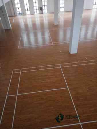 单龙骨体育场馆木地板环保吗