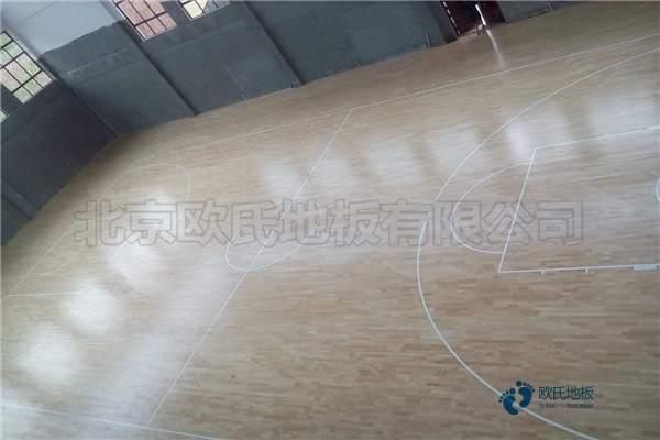 单龙骨体育馆地板怎么保养