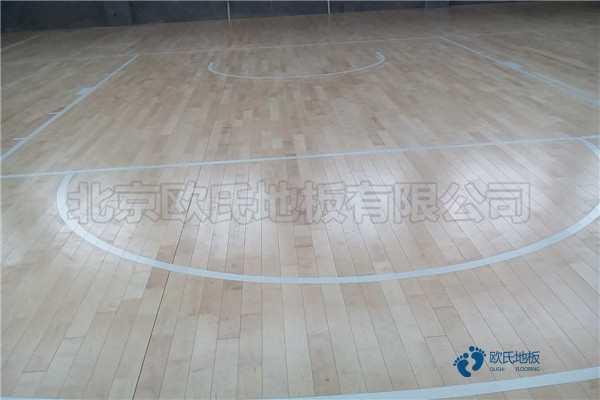 海南柞木体育木地板安装