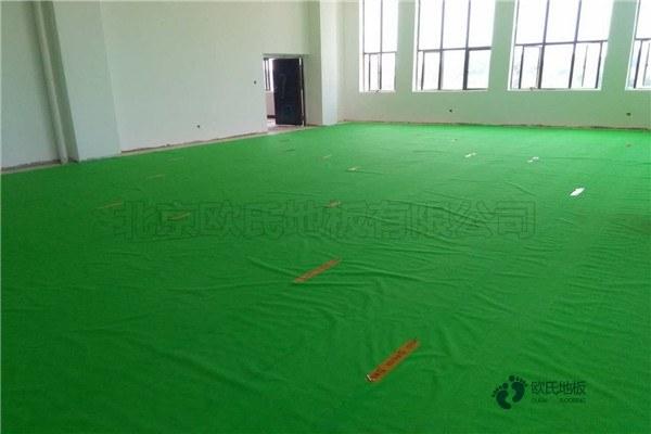单龙骨体育馆地板环保