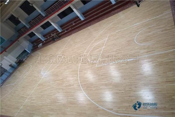 单龙骨篮球体育地板如何保养