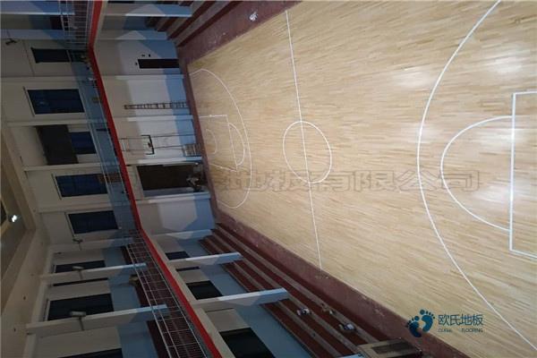 单龙骨篮球体育地板如何保洁
