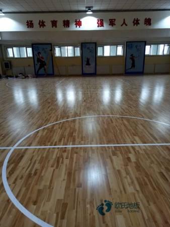 单龙骨篮球体育木地板如何保养