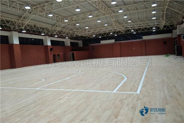 单龙骨篮球体育木地板环保