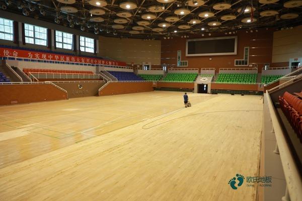 硬木企口体育场木地板每平米价格