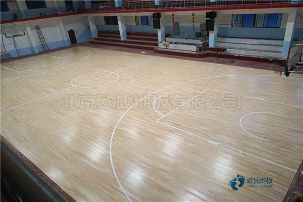 单龙骨篮球木地板保养知识