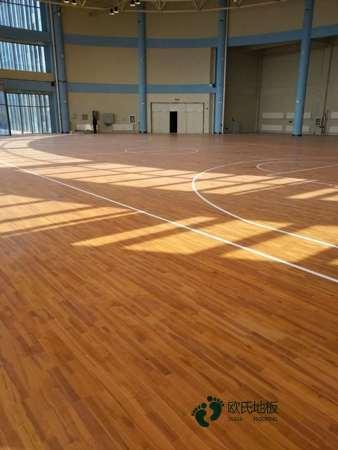 单龙骨篮球木地板维护保养