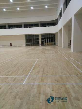 单龙骨篮球运动地板维护保养