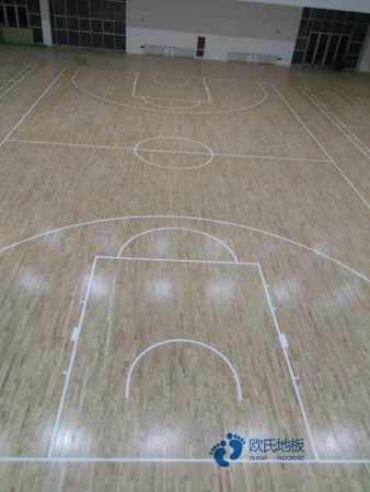 单龙骨篮球运动木地板保养方法