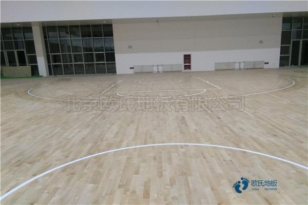 单龙骨篮球运动木地板怎么保养