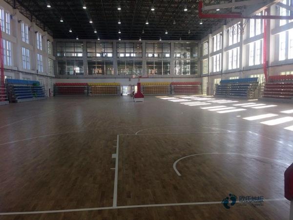 单龙骨篮球馆地板怎么保养