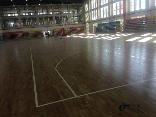 单龙骨篮球馆地板怎样保养
