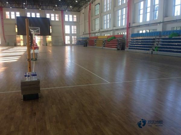 单龙骨篮球馆地板维护保养