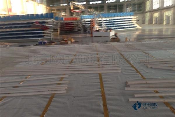 单龙骨篮球馆木地板如何保养