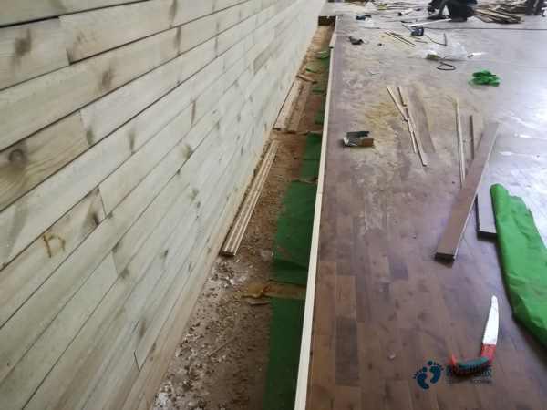 单龙骨篮球馆木地板维护保养