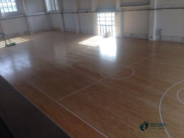 24厚篮球场木地板多少钱一平米?