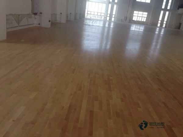 松木运动木地板防潮
