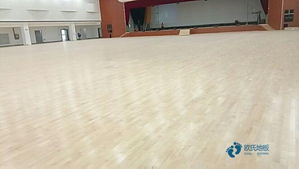 西安枫桦木篮球场地板施工工艺