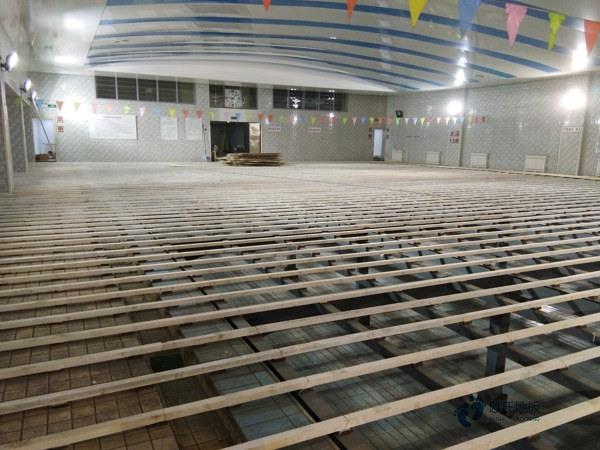 运动篮球馆木地板厂家2